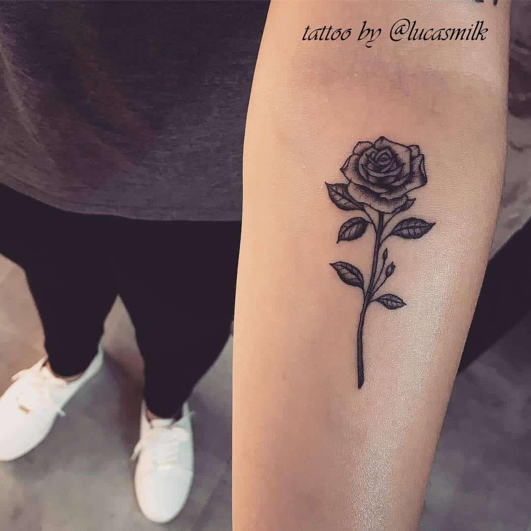 tattoo by @lucasmilk. tatuaggio rosa braccio