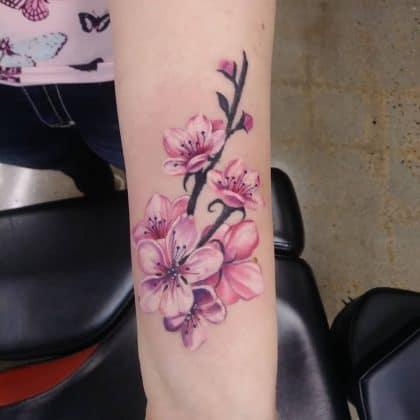 Fiori di ciliegio tatuaggio