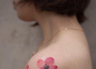 tatuaggio fiori di pesco by @newtattoo_qiqi