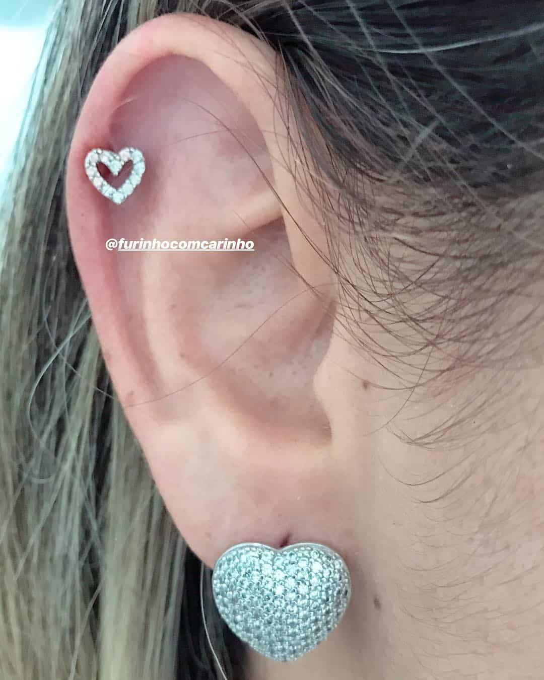 piercing by @furinhocomcarinho