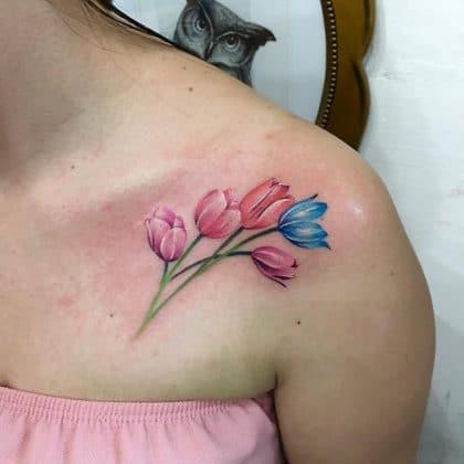 tatuaggio tulipano eterei by @manibroowns