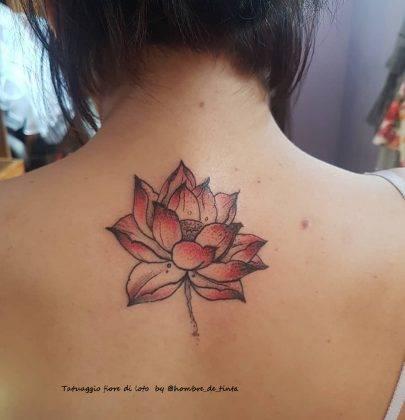 tattoo fiore di loto a colori by @hombre_de_tinta