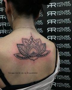 tattoo fiore di loto by @riccardotattoo