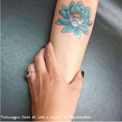 tattoo fiore di loto colori by @seretattoo