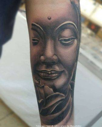 tattoo fiore di loto con budda black&gray by @senotattoo