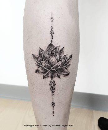 tattoo fiore di loto dotwork by @nicolenurbernardi