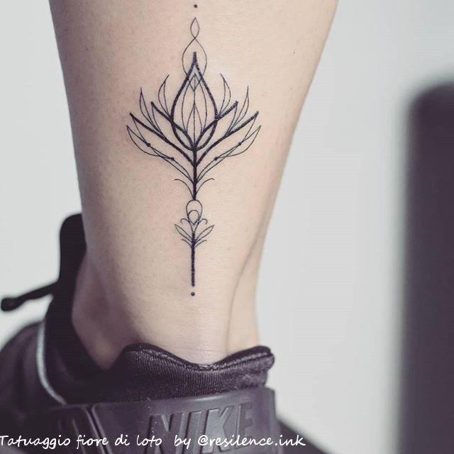 Fiore Di Loto Tattoo Scopri La Storie E Il Suo Significato