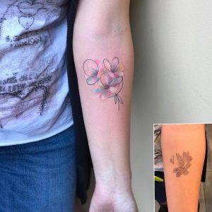 tattoo fiore di pesco avambraccio by @sonia_tessari