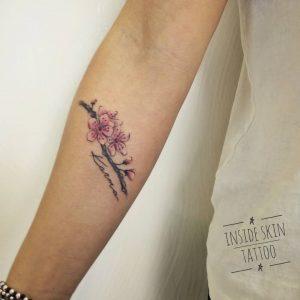 tattoo fiore di pesco by @inside_skin_tattoo