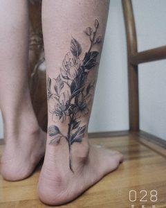 tattoo fiore di pesco by @josiewwwww