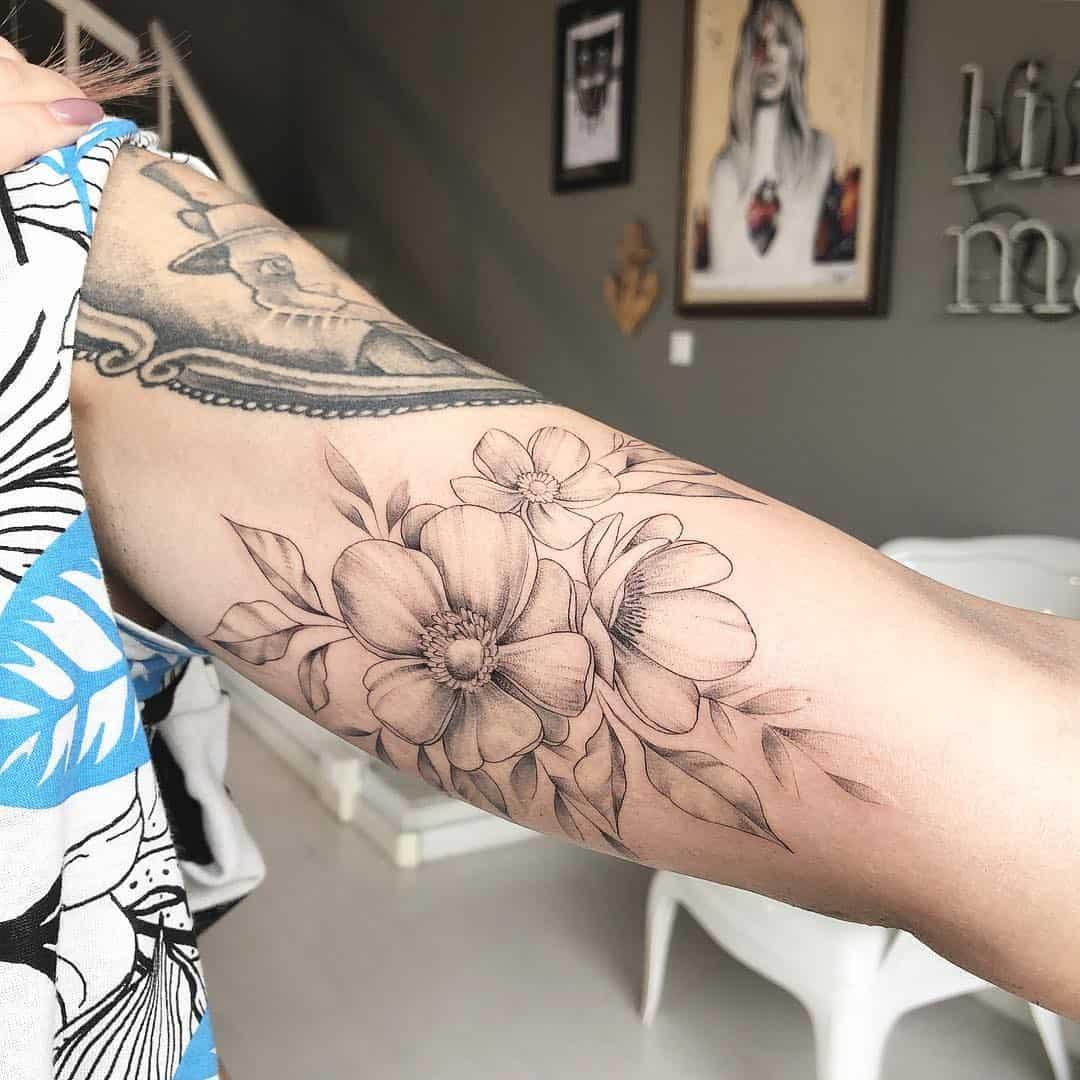 tattoo fiore di pesco by @michilove