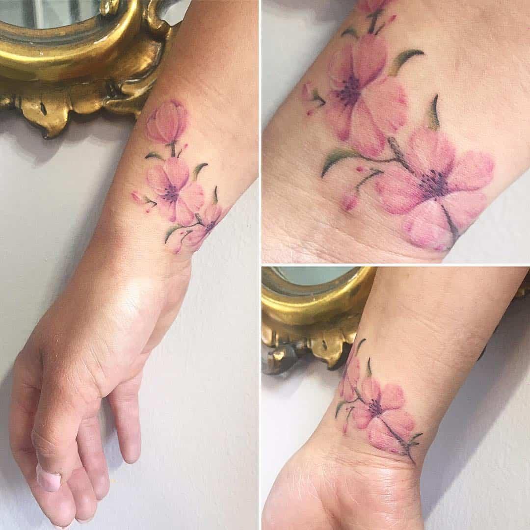 tattoo fiore di pesco by @michilove_