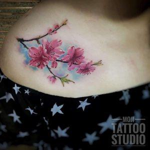 tattoo fiore di pesco by @mojitattoo.jian