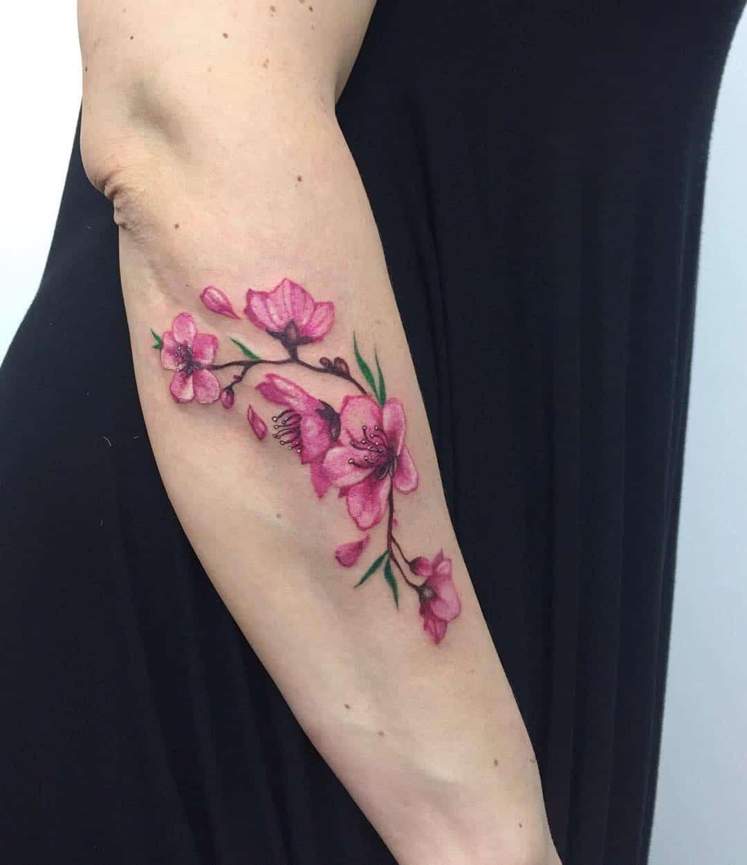 tattoo fiore di pesco by @noemesystattoo