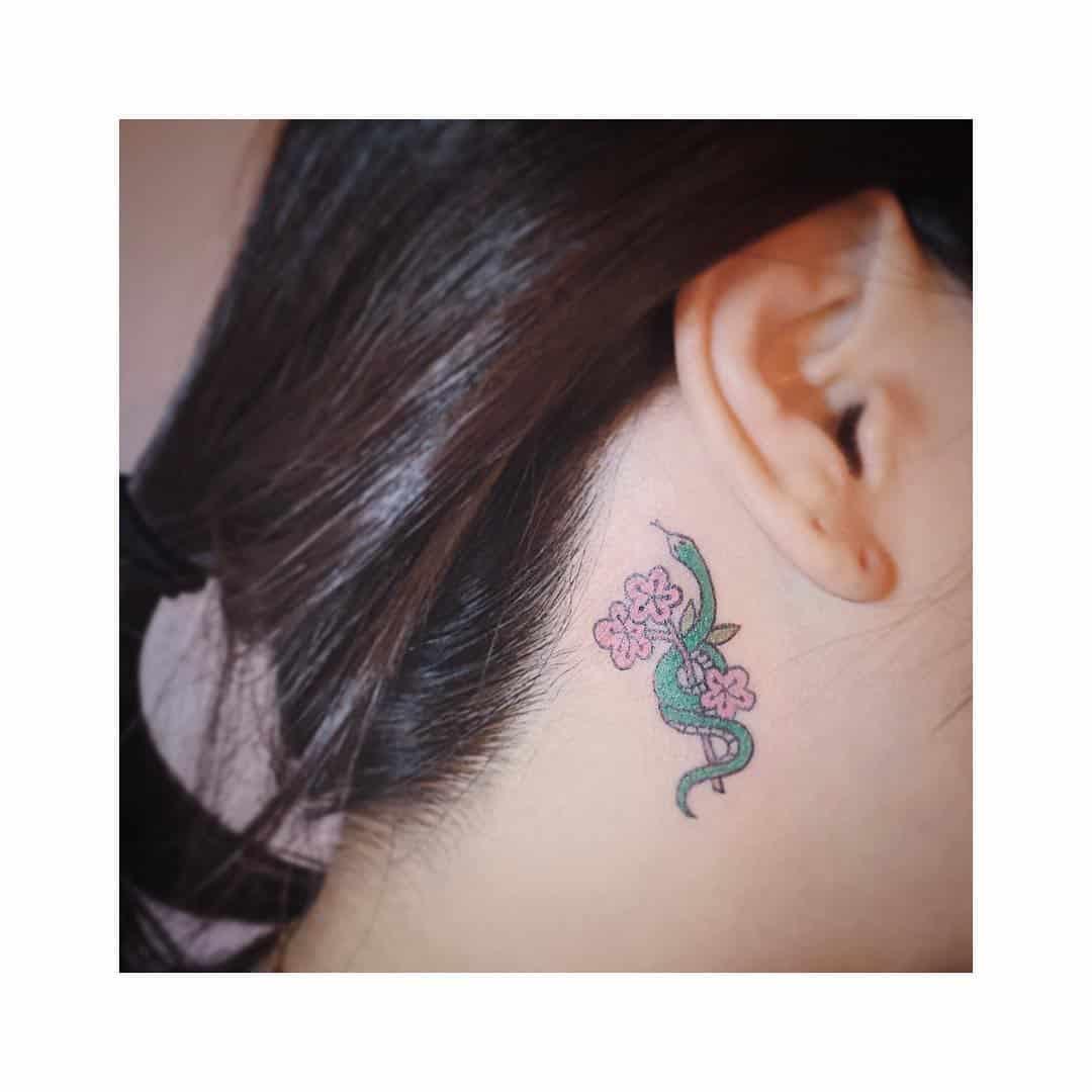 tattoo fiore di pesco by @tattooist_wasabi