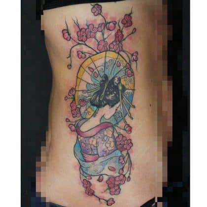 Tattoo geisha fiori di ciliegio