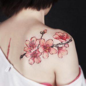 tatuaggio fiore di pesco by @beautytattoo_bai
