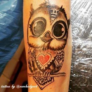gufo tattoo by @suesbodyart