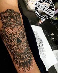 gufo tattoo by @rollinkstattooshop