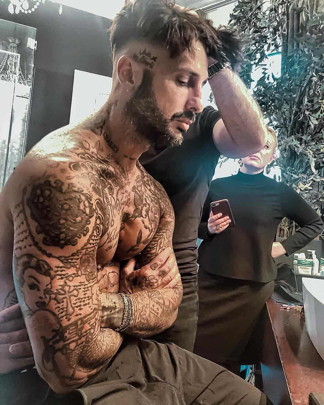 tattoo braccio destro photocredit @fabriziocoronareal