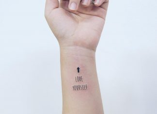 tatuaggi scritte piccole