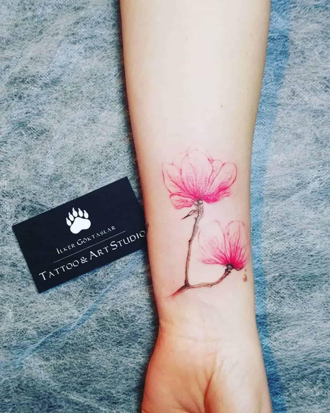 Tatuaggi Fiori Bianchi.Tatuaggi Al Polso Sono Sempre Cosi Piccoli Tatuaggipiercing It