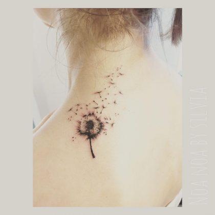 tatuaggio soffione collo by @noanoa_tattoo