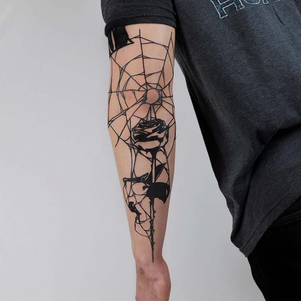 tattoo-gomito-ragnatela-by-@thewolfrosario