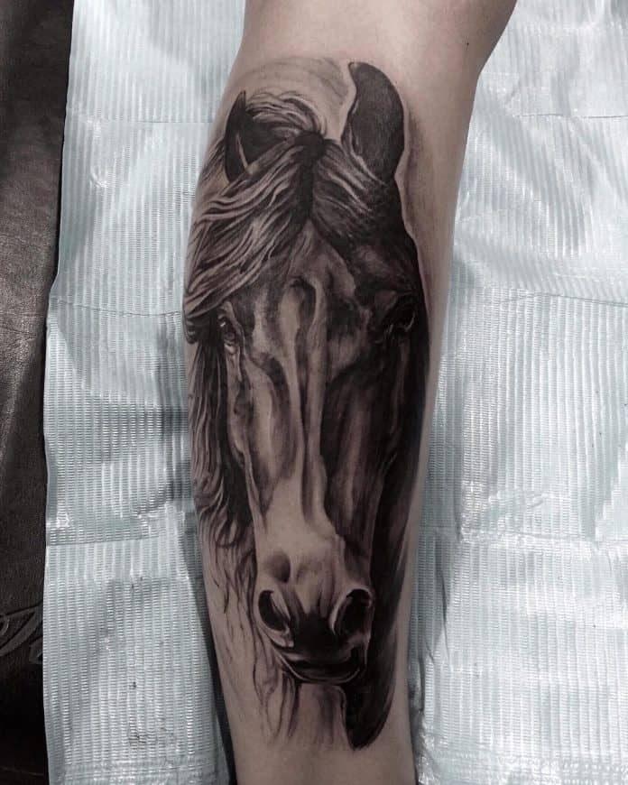 Tatuaggio cavallo by @y_f_shu