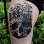Tatuaggio teschio black n grey con croci by @arno_b_ink_