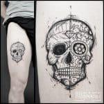 Tattoo teschio coscia