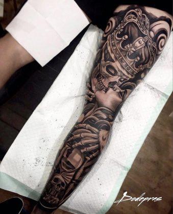 Tattoo teschio corona