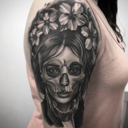 Tattoo teschio donna