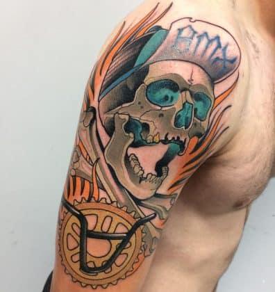 Tattoo teschio divertente