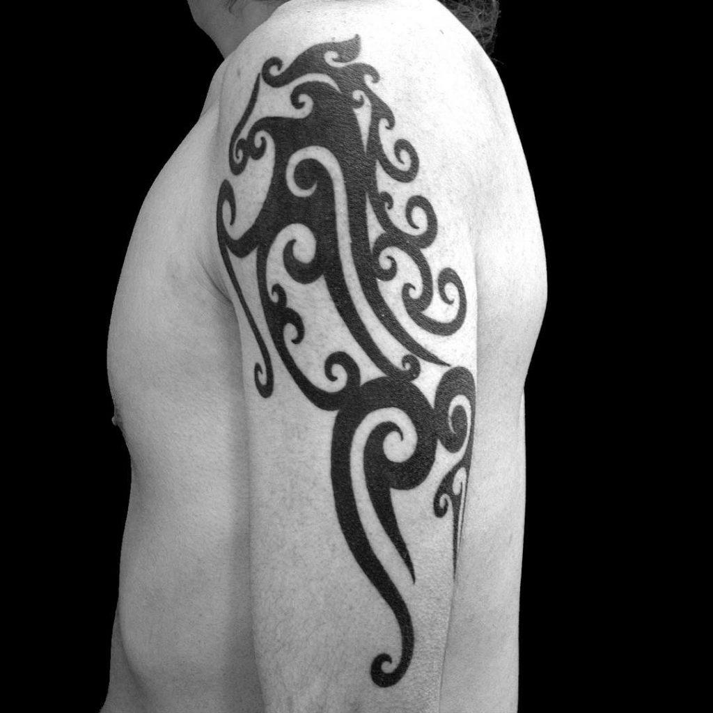 horse-tattoo-tribale-by-@horirye