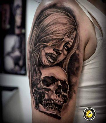 Tattoo teschio donna chicana