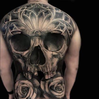 Tattoo teschio blackwork