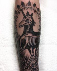 tattoo-cavallo-by-@kallekooartist