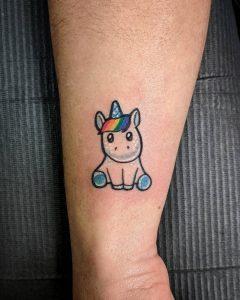 tattoo-cavallo-by-@maria.wheat_.tattoos