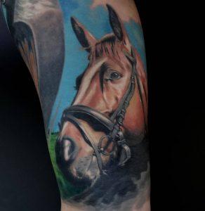 tattoo-cavallo-by-@taganrog.tattoo