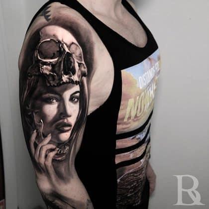 teschio black n grey con donna by @inkbybali