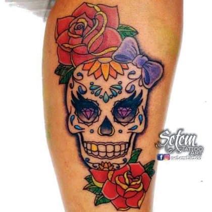 teschio messicano con rose e fiocco by @setemtattoo