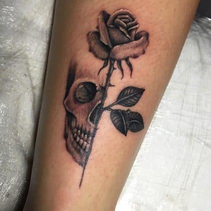 Tattoo teschio rosa