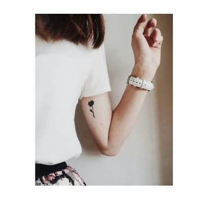 fiore stilizzato tattoo by @tattooday