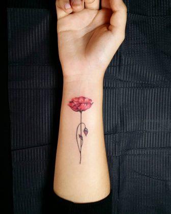 tattoo papavero polso