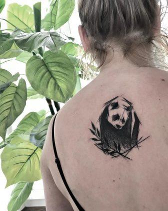 panda tattoo stilizzato