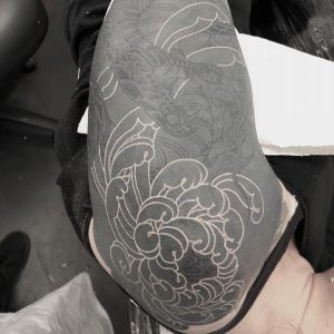 tattoo-blackout-by-@aaron_aziel