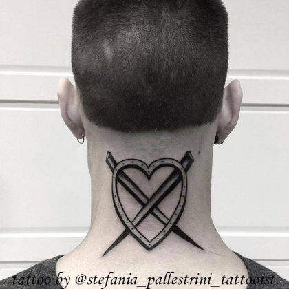 tattoo-cuore-chiodi-incrociati-by-@stefania_pallestrini_tattooist