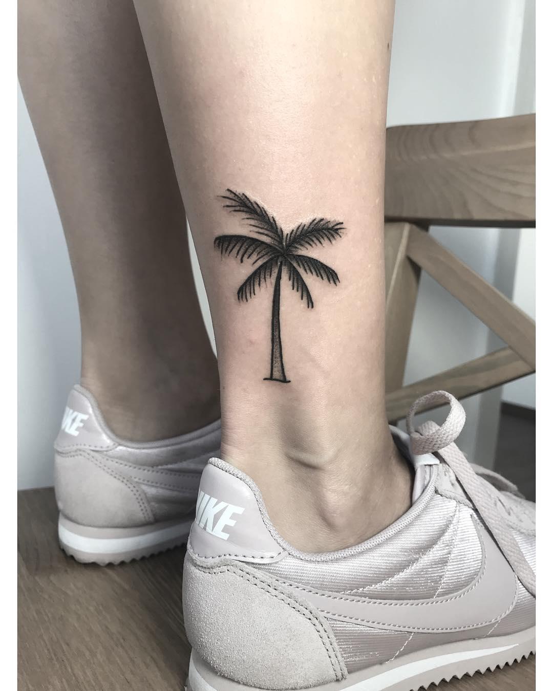 tattoo palma by @candil.tattoo