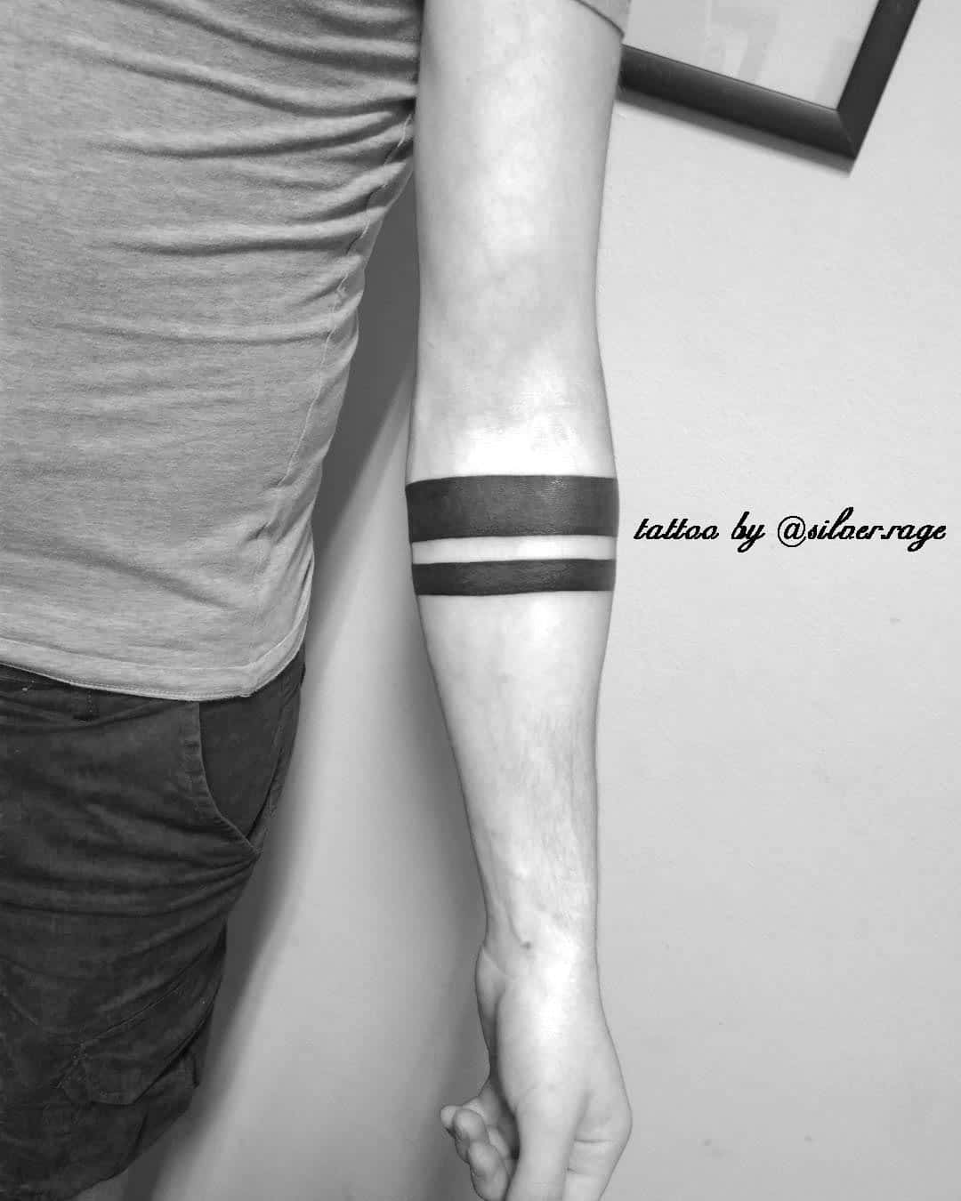 tatuaggi linee nere tattoo